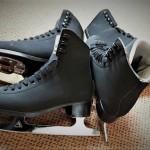Used Black Skates - Esta